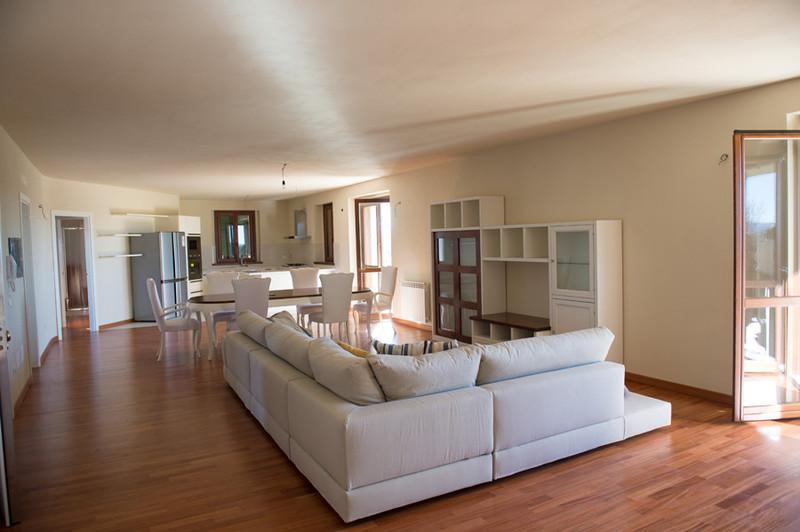Elegant gli interni di suvereto with interni for Diventare arredatore interni